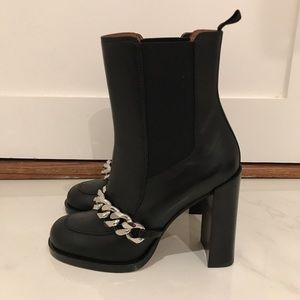 GIVENCHY CHAIN BOOTIE